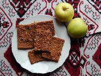 Perníková jablečná buchta
