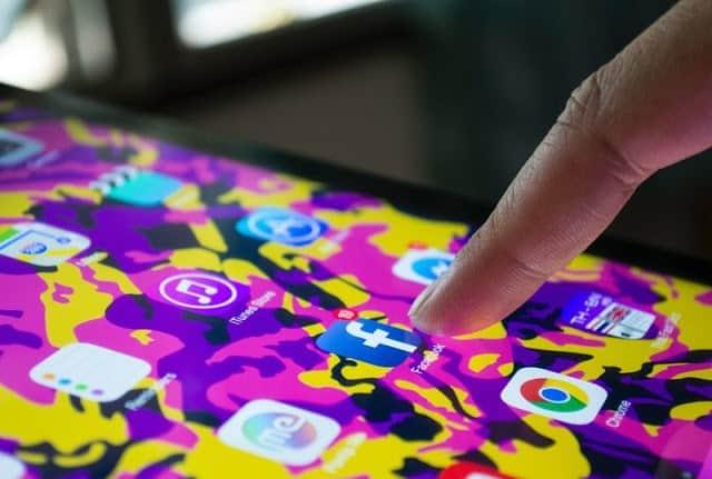 عناصر مثلث التسويق الكتروني عبر مواقع التواصل الاجتماعي