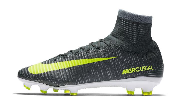 claro y distintivo diseño de variedad buena venta Galería de imágenes de las botas Nike de CR7 desde 2003