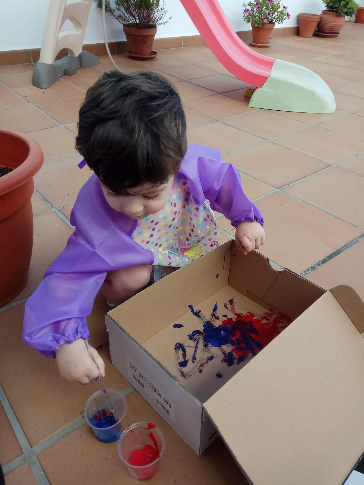 montessori, pintar, pincel, bebe