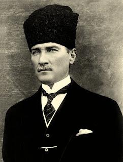 presiden turki pertama