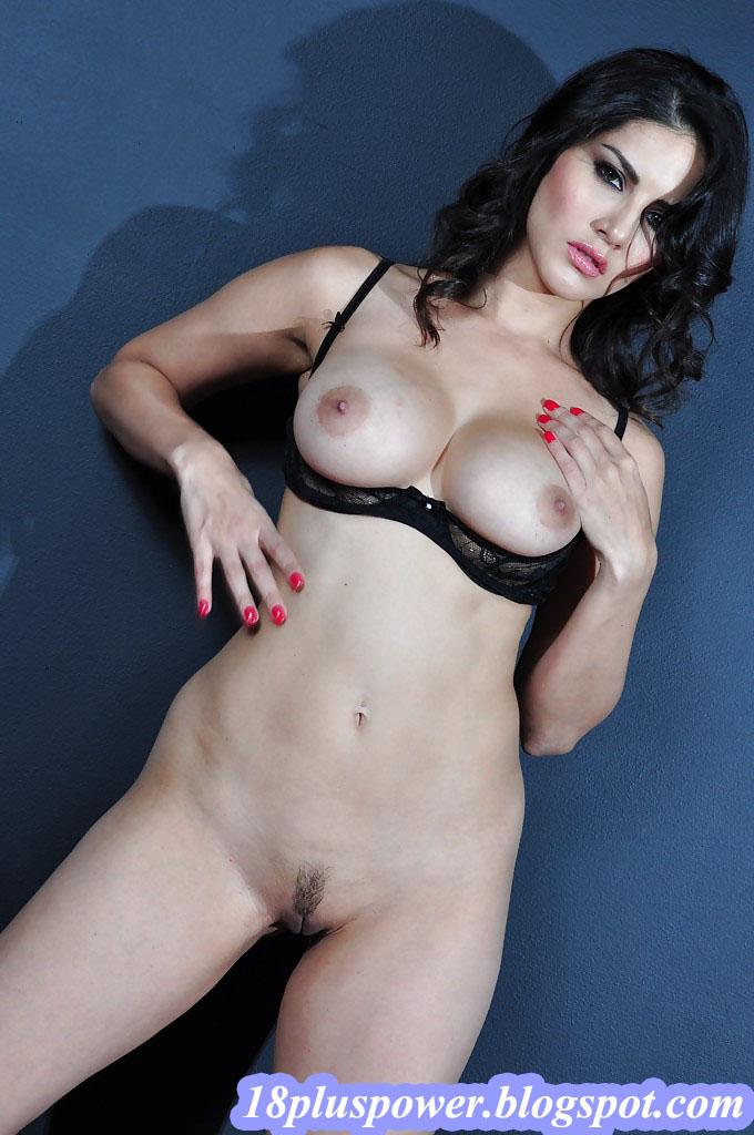 Sunny Leone On Bikini Show  Adult Sex Movies, Xxx Videos -4471