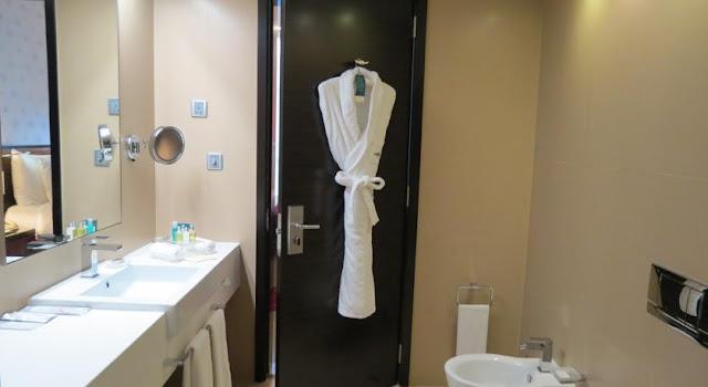 فندق كوزموبولتان دبي