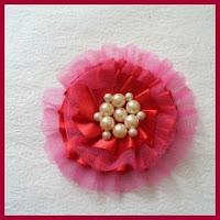 Ganchito de flor de tul