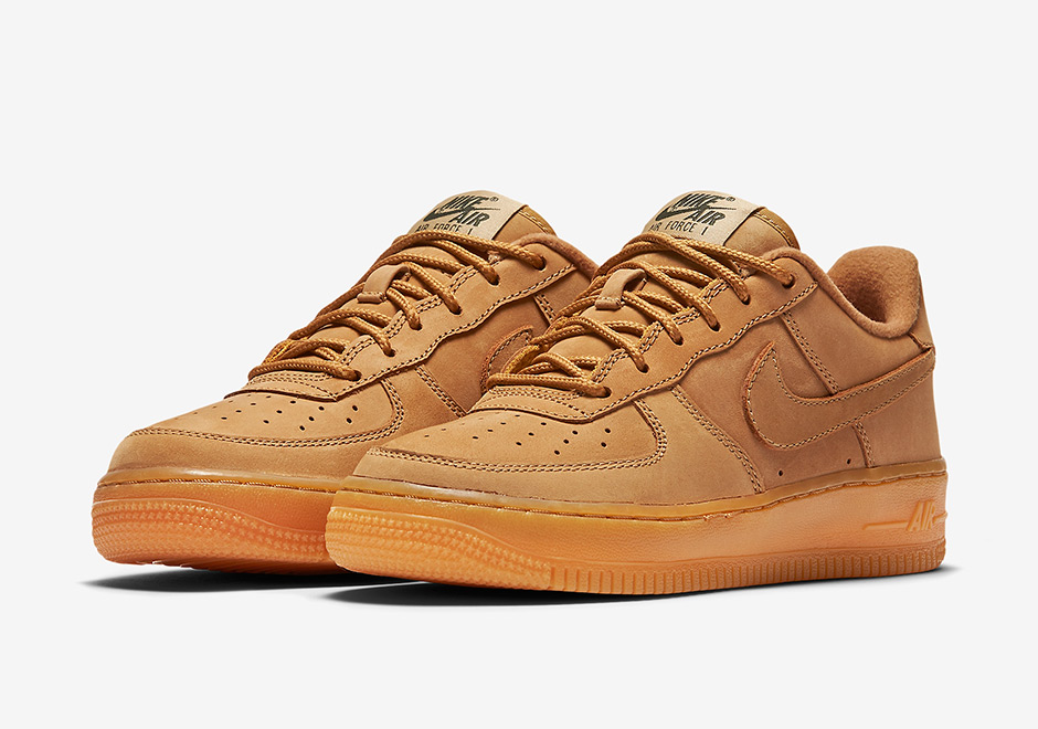 "half off 0ee0e 4fa36 ""Wheat"" is back once again on the Nike Air Force 1 Low with this all-new Flax  nubuck colorway for kids. The Air Force 1 features the now-standard ""Wheat""  ..."