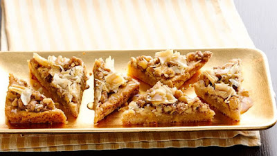 s easy to make with a sugar cookie crust Baklava Bars Recipe