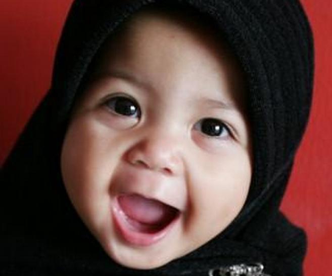 10 Foto Lucu Dan Imut Anak Kecil Saat Memakai Jilbab Juru Kunci