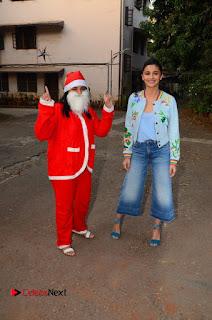 Bollywood Actress Alia Bhatt Stills at Christmas Celetion Mumbai  0006.jpg