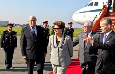 Pronto, Dilma com um pé em Bruxelas, perto de sua Mombaça européia. c246d81fab