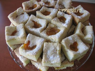 prajitura-cu-fructe-gata-de-mancat