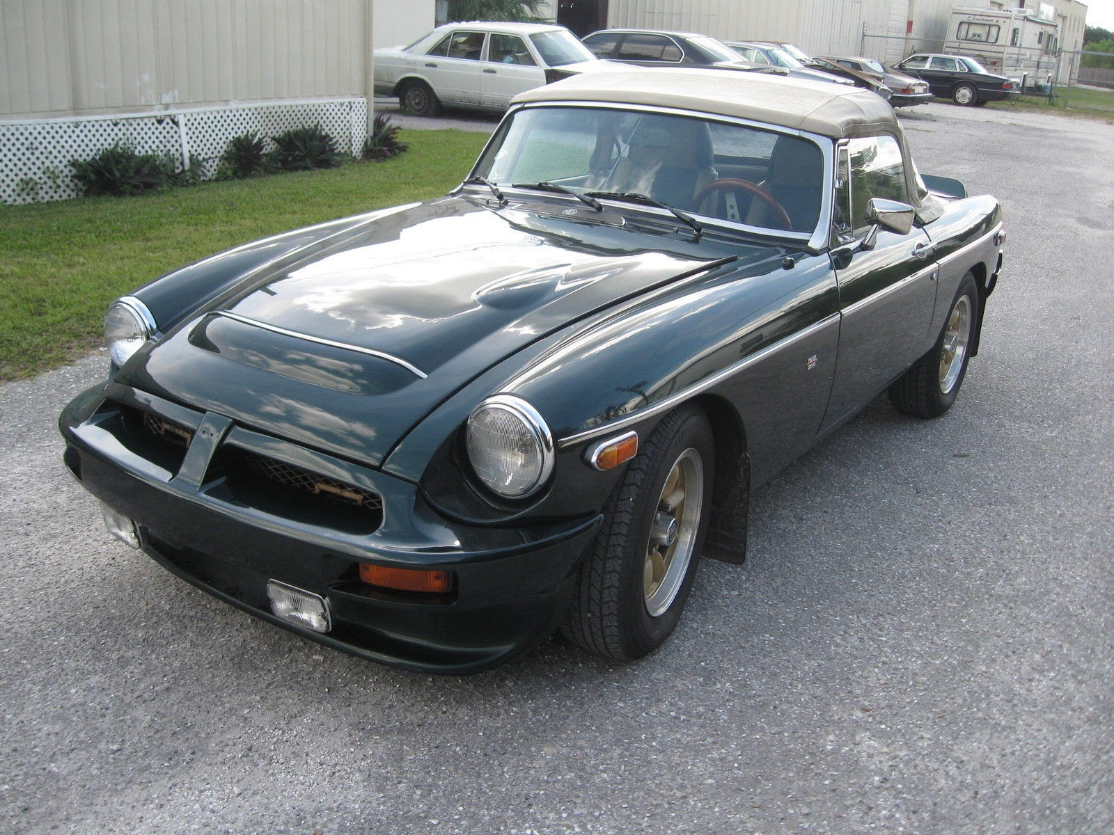 Just A Car Geek: 1976 MGB - You Could Use This As A Daily Driver