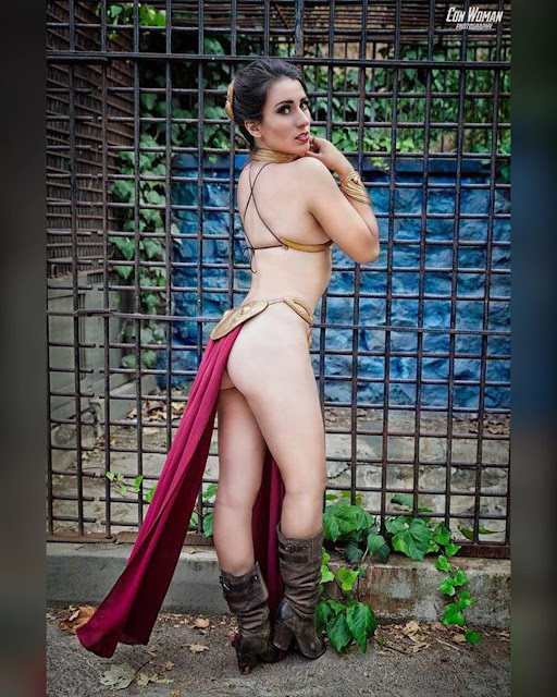 Elizabeth Rage tits