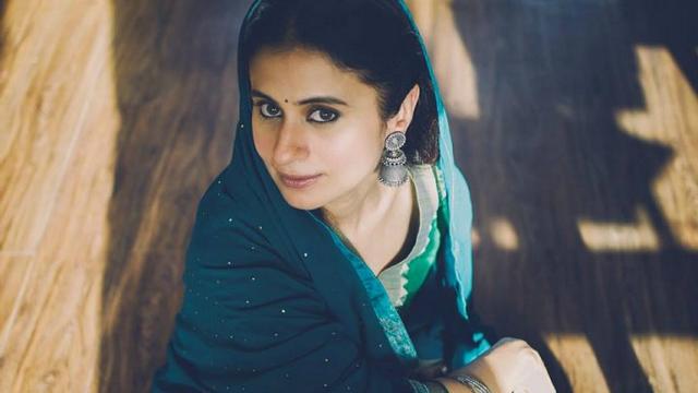 Rasika Dugal Tv Actress Wallpaper