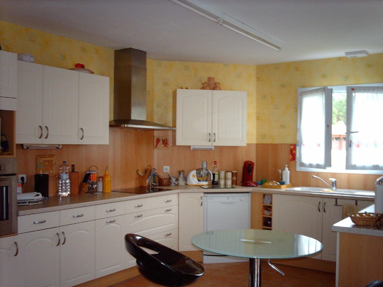 maison vendre int rieur salon cuisine. Black Bedroom Furniture Sets. Home Design Ideas