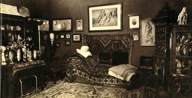 Sigmund Freud's couch in his home at Berggasse 19, Vienna, Austria (1938) Photograph by Edmund Engelman