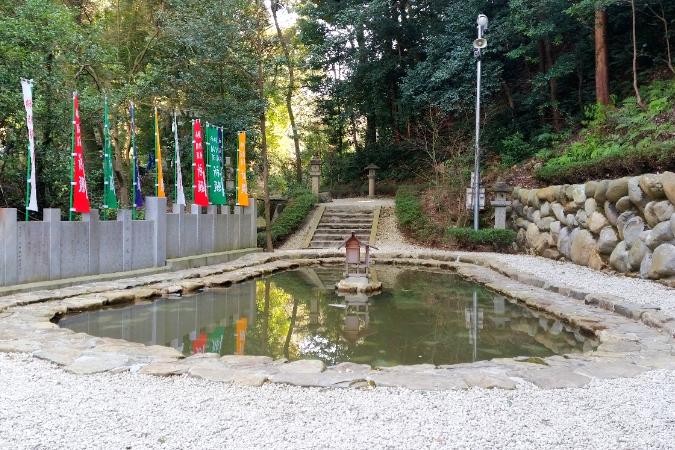 人文研究見聞録:大縣神社のむすひ池