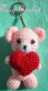 http://fany-crochet.blogspot.com.es/2012/09/patron-realizar-estos-ositos-cabeza.html?m=0