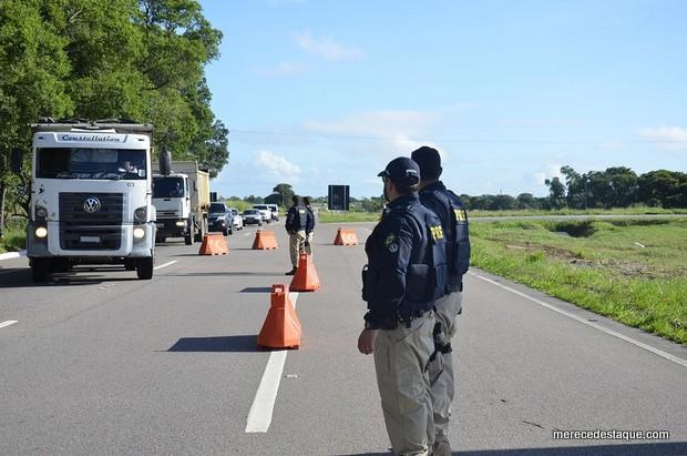 PRF reforça fiscalização nas rodovias do Agreste no feriado do Dia do Trabalhador