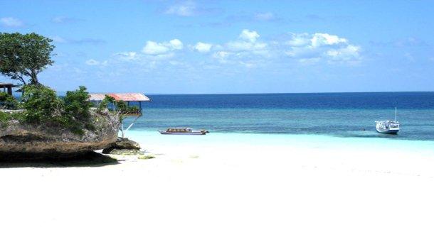 Pantai Bira Destinasi Favorit Bagi Penikmat Alam