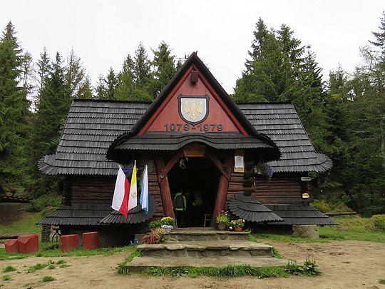 Kaplica Matki Bożej Królowej Gorców na Polanie Rusnakowej.