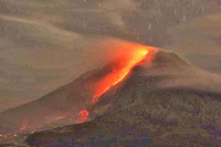 http://sciencythoughts.blogspot.co.uk/2014/01/further-evacuations-on-north-sumatra-as.html