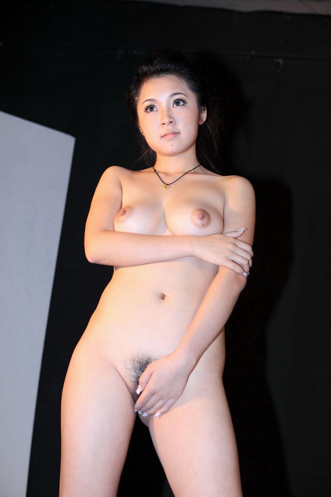 Nude Pinay Artist Nude Scenes