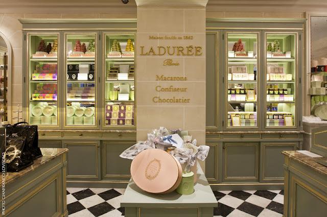 9da519339735 Ladurée approda a Roma per celebrare i suoi 150 anni di dolce passione