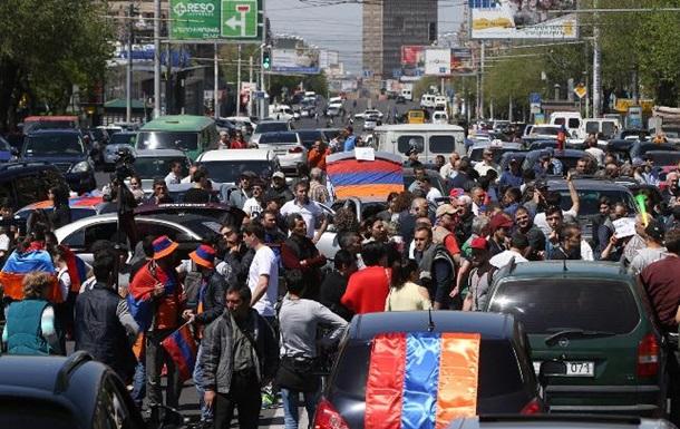 У Єревані протестувальники перекривають дороги