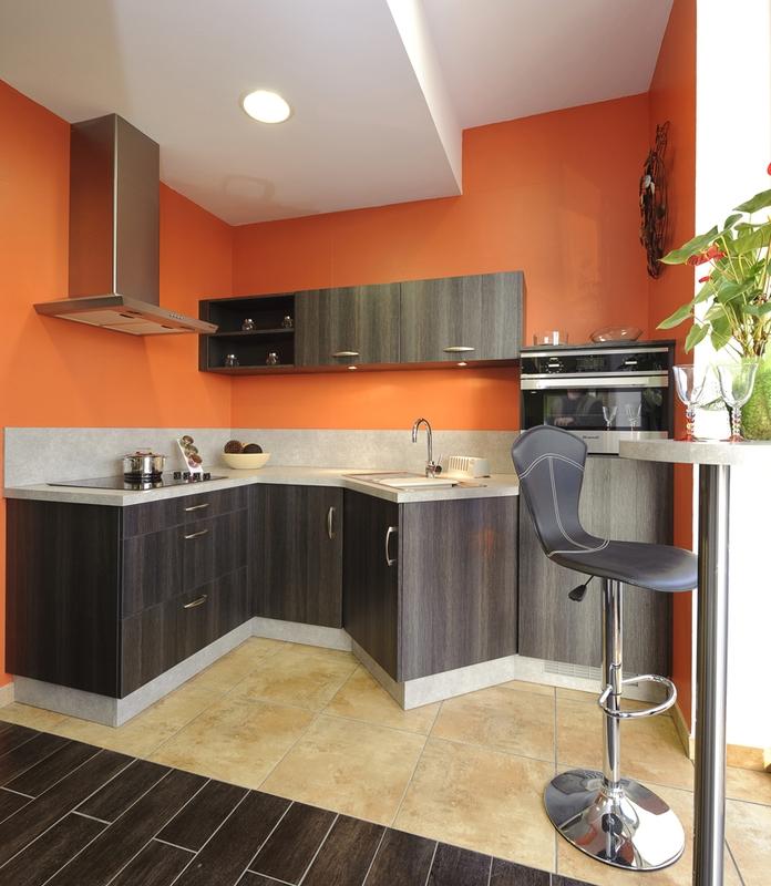 ce modle de cuisine est amnag en hauteur pour que chaque. Black Bedroom Furniture Sets. Home Design Ideas