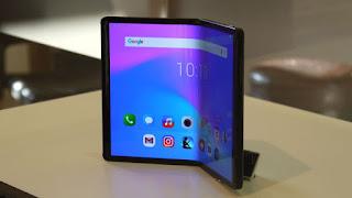 """إطلاق مفهوم الهاتف القابل للطي """"ذي التكلفة المعقولة"""" في TCL عام 2020"""