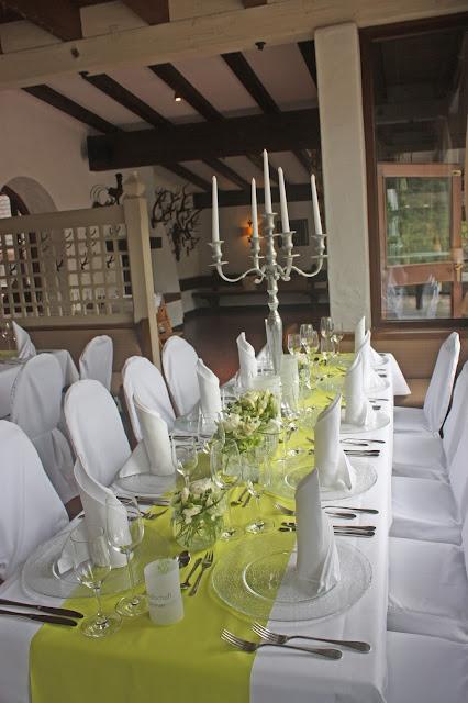 Hochzeit in Grün und Weiß im Riessersee Hotel Garmisch-Partenkirchen Bayern, Regenhochzeit im Sommer, Wedding Bavaria - wedding green white