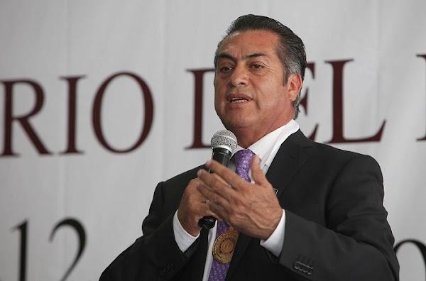 Adolescentes afirman al gobernador de Nuevo León que está bien consumir drogas