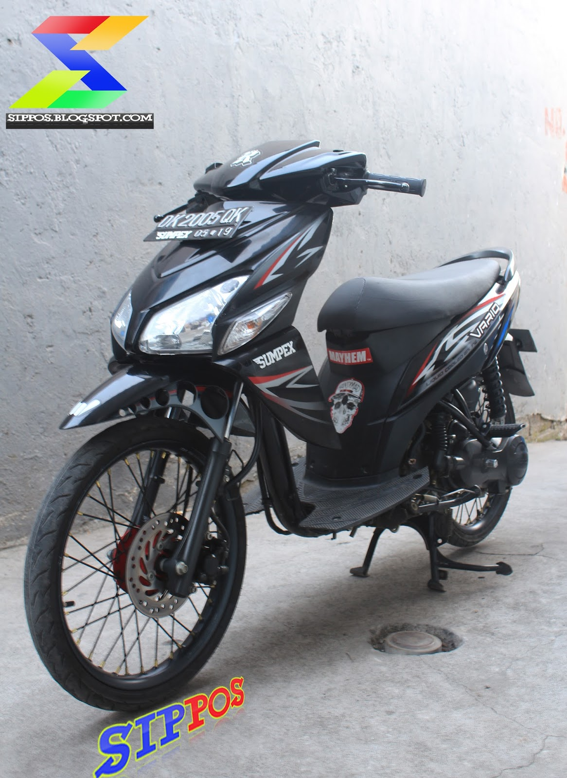 Gambar Motor Honda Scoopy Merah Putih