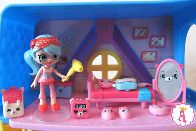 Кукла mini Shoppis и набор Шопкинс Хеппи Плейсис