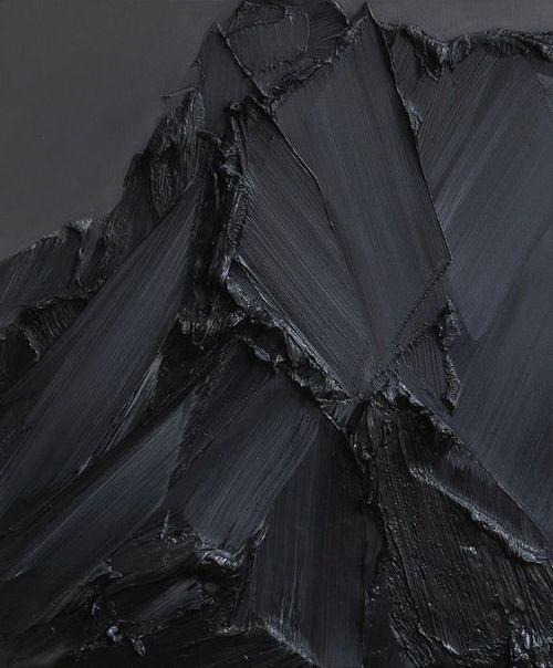 Ivory Black Vs Lamp Black : ivory, black, Phin,, Phineus,, Phinster:, Which, Black, Should, Lamp,, Mars,, Ivory,, Payne's?