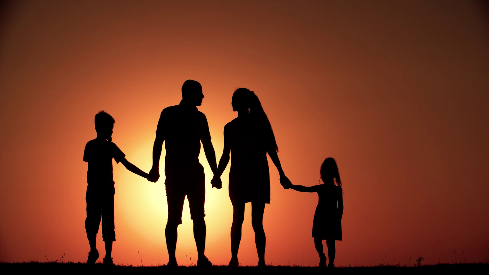COMPARTIENDO - SHARING: THE FAMILY: AN AUTHENTIC VALUE TO ...