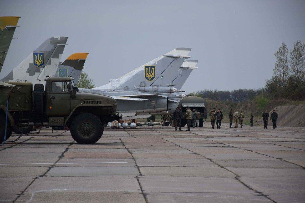 Ukrainian Military Pages - «Козаки і дракони»: фотосесія з льотної зміни 7 брта