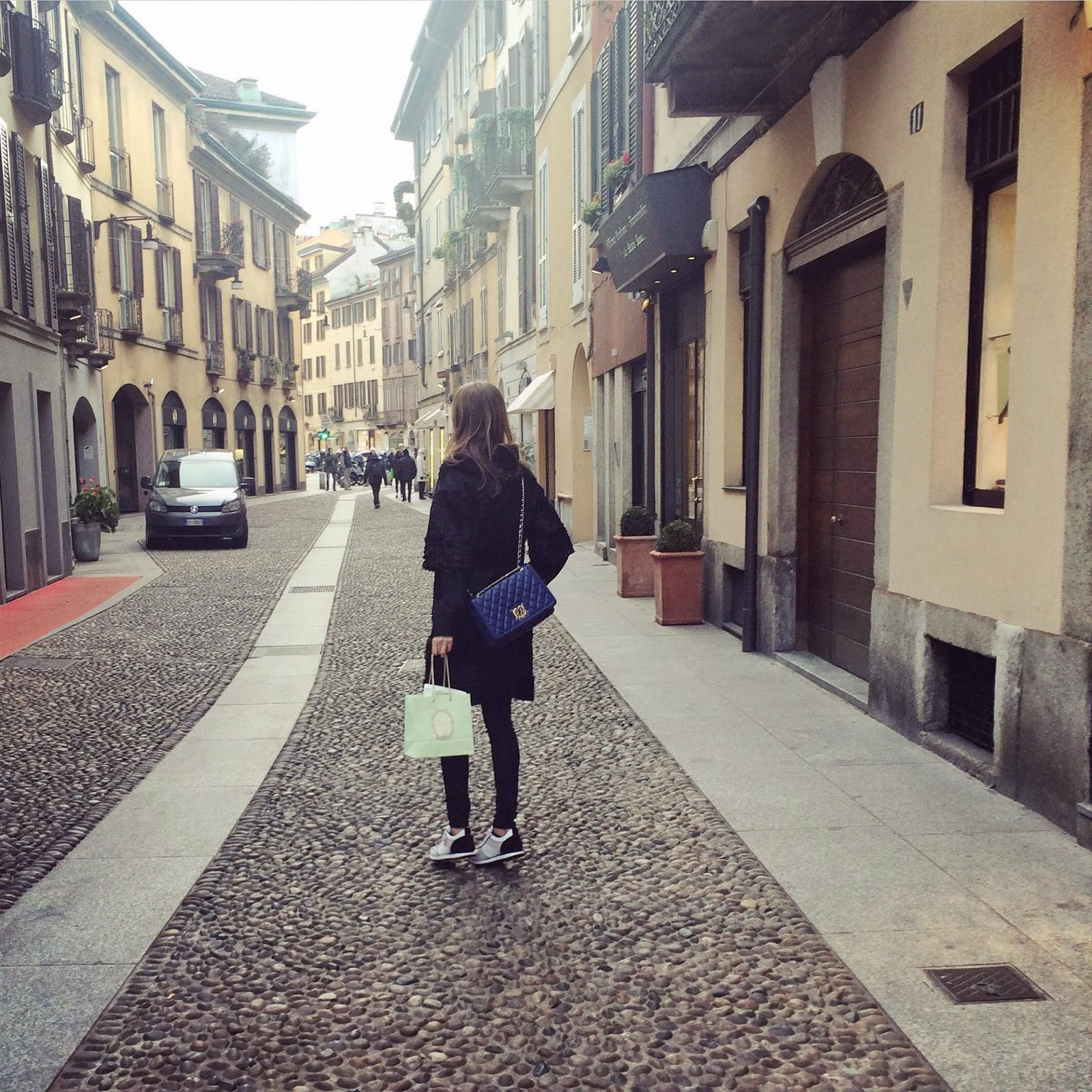 brera-district-milan-laduree-armani-sneakers-moschino-bag