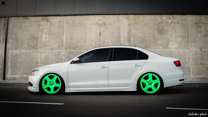 grey white volkswagen jetta #nothing_extra on airlift suspension