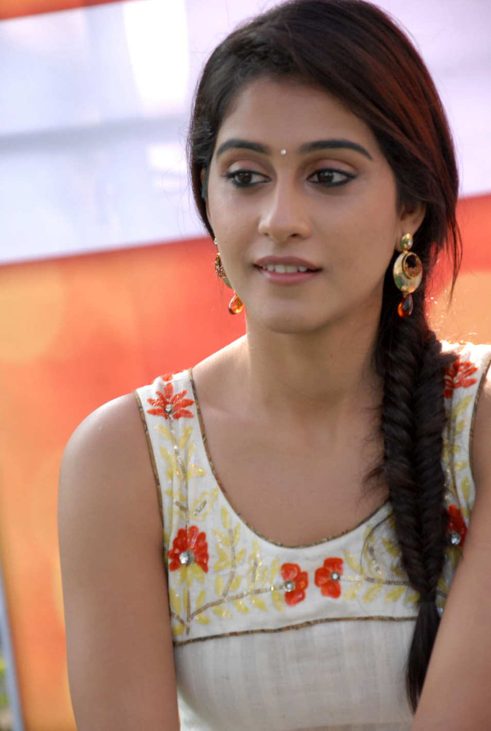 Wallpapers HD: Regina Cassandra Latest Stills