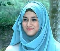 Model Hijab Artis Nina Zatulini