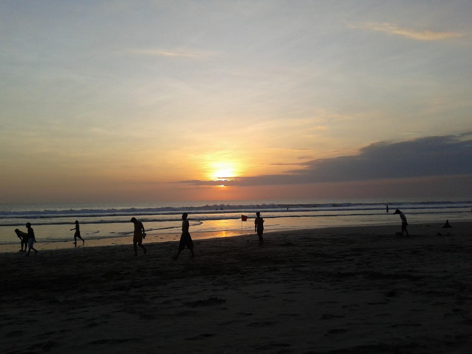 Fotofoto Perjalanan Pemandangan Pantai Kuta  Legian Bali
