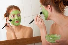 Banyak materi alami yang sanggup di olah menjadi masker kecantikan wajah Tips Membuat Masker Wajah dari Mentimun