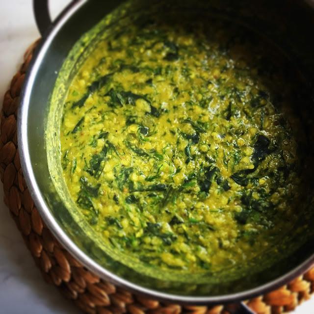 φακές σούπα με κάρυ, φαγόπυρο με σπανάκι, φακές με σπανάκι, παράξενο πιρούνι, paraxeno pirouni
