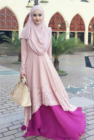 Model dress muslim