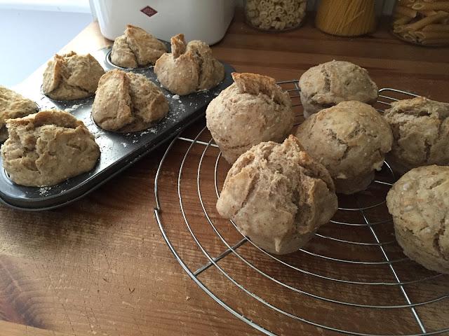 Brötchen sind leicht aus der Muffinform zu heben