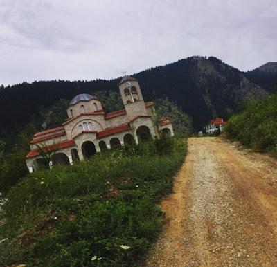 Церковь деревни Ропото