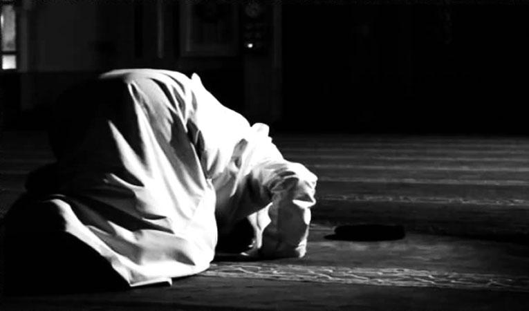 Doa Usai Sholat Hajat Beserta Artinya
