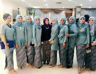 Aneka Model Baju Kebaya Untuk Seragam Pernikahan Keluarga