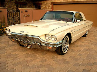 1965 Ford Thunderbird Luxury Coupe Front Left